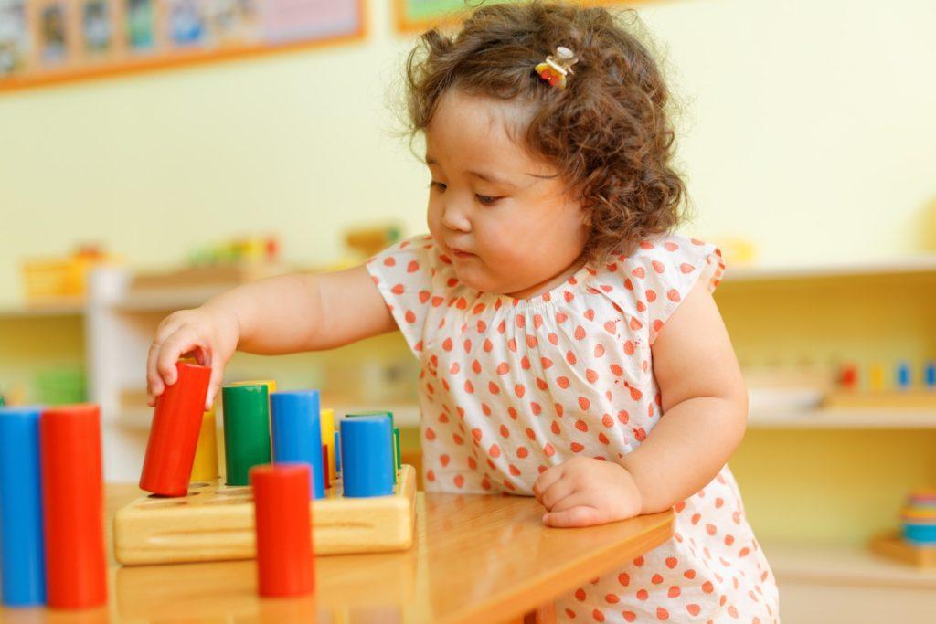 montessori-environnement-adapte-developpement-enfant